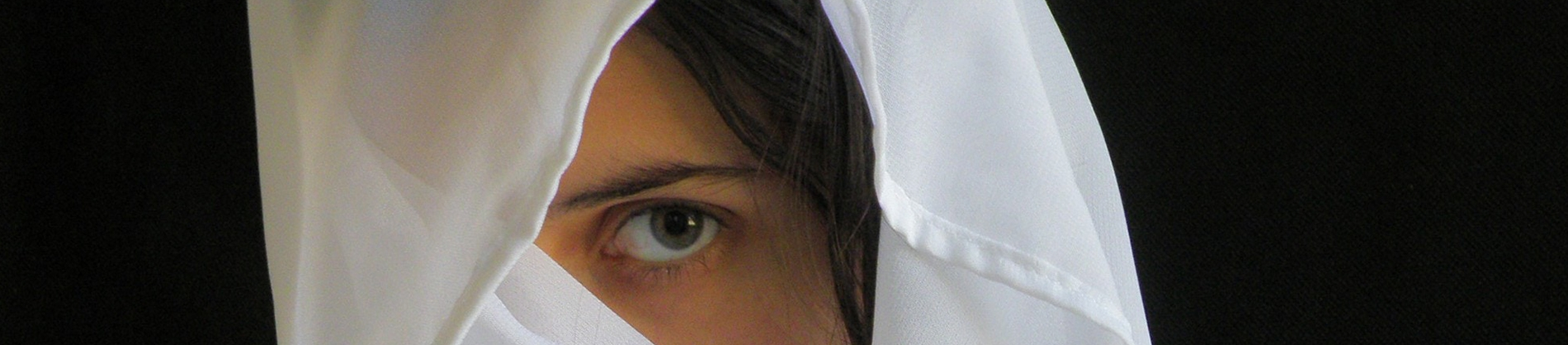 A women with white veil over her head