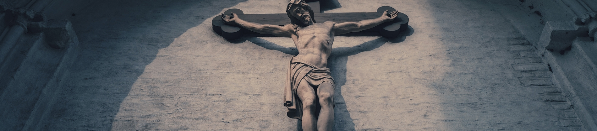 A statue of Jesus on the cross